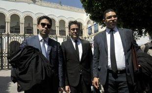 e procès en appel de trois militantes européennes de Femen emprisonnées à Tunis a été reporté au 26 juin en raison d'une erreur de procédure et leur libération conditionnelle refusée vendredi, suscitant à nouveau la colère de leurs avocats.