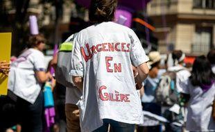 Des soignants manifestent à Paris, le 2 juillet 2019.