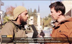 Un combattant francophone de Daesh dans une vidéo de propagande.