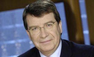 L'ex-ministre délégué à l'Enseignement, Xavier Darcos, 59 ans, devient ministre de l'Education.