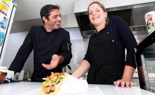 Marion et Giorgos ont créé en octobre 2016 leur food truck Le Camion Grec. Ils sont présents chaque jeudi sur la place Hoche, à Rennes.