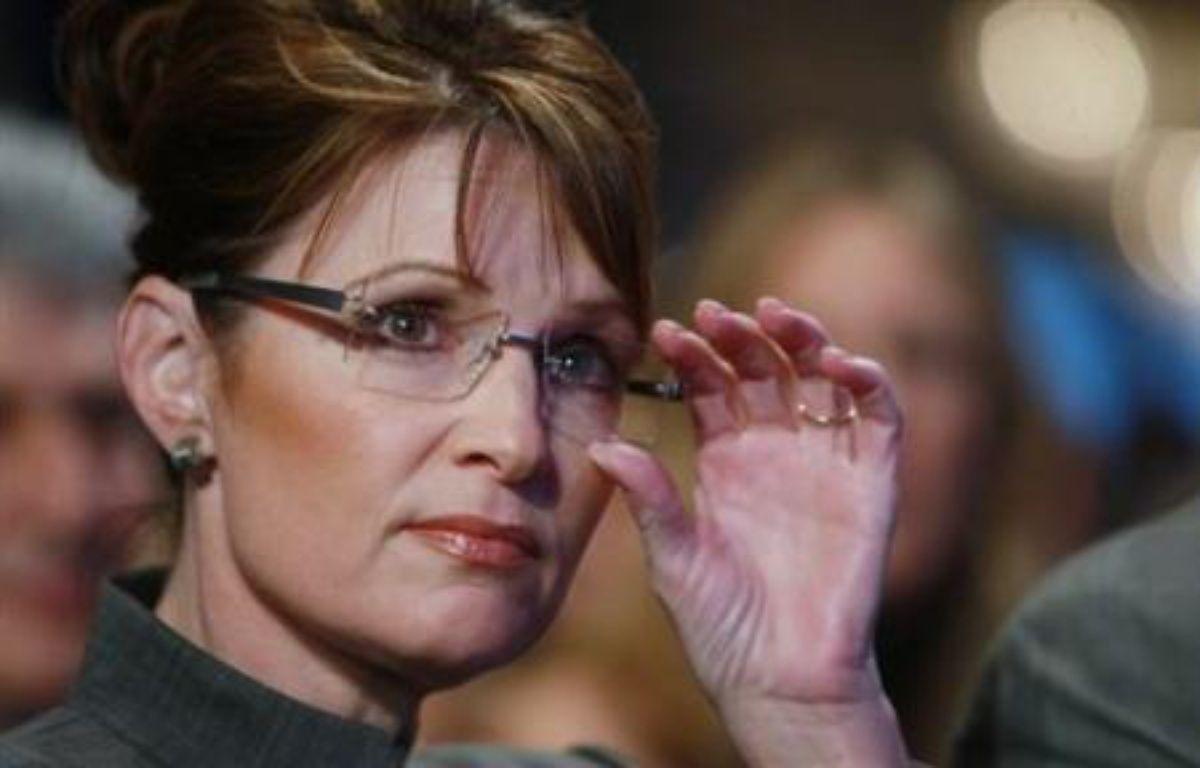 """Une vidéo montrant la candidate à la vice-présidence américaine Sarah Palin en train d'être bénie par un """"chasseur de sorcières"""" kényan a fait surface sur internet jeudi et pourrait se révéler embarrassante pour le camp républicain. – Spencer Platt AFP/Getty Images"""