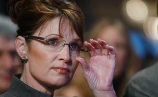 """Une vidéo montrant la candidate à la vice-présidence américaine Sarah Palin en train d'être bénie par un """"chasseur de sorcières"""" kényan a fait surface sur internet jeudi et pourrait se révéler embarrassante pour le camp républicain."""