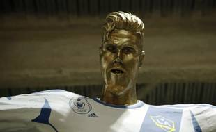 L'ignoble fausse statue de David Beckham