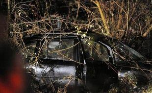 La mère de famille, grièvement blessée dans la collision entre un TER et une voiture qui a tué ses trois enfants et leur père, dimanche en fin d'après-midi dans le Rhône était toujours dans un état grave lundi matin.