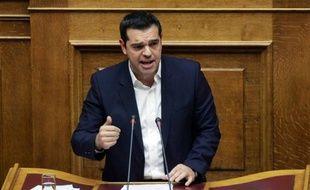 Le Premier ministre grec Alexis Tsipras s'adresse aux députés à Athènes le 16 octobre 2015