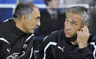 Bayonne, 13e du Top 14 de rugby, a officialisé mercredi le recrutement annoncé, à partir de la saison prochaine, des actuels entraîneurs d'Agen Christian Lanta et Christophe Deylaud, qui devraient s'engager pour trois ans, avec une quatrième année en option.