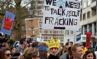 Une manifestation contre l'extraction du gaz de schiste au Royaume-Uni, le 19 mars 2014, à Londres