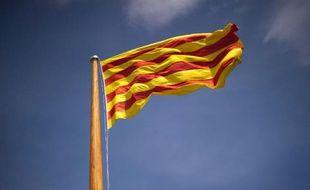 Un drapeau catalan flotte à Barcelone le 4 avril 2014