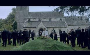 Image de la bande-annonce de la mini-série britannique «Une place à prendre».