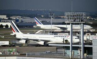 Des avions de la compagnie Air France sur le tarmac de l'aéroport d'Orly près de Paris, le 17 septembre 2015