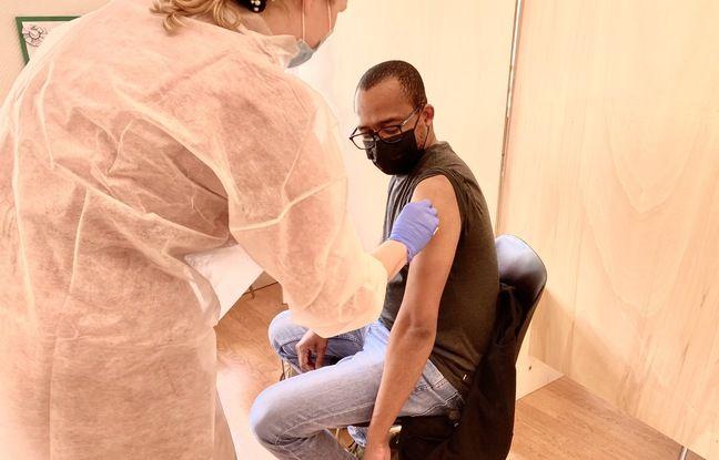 70 doses étaient disponibles ce mercredi pour les premières vaccinations à Bacalan