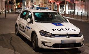 Trois mineurs ont été mis en examen à Lyon pour avoir aspergé leurs victimes de gaz lacryomgène afin de les détrousser.
