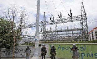 """Le gouvernement espagnol """"regrette"""" la décision de la Bolivie de nationaliser quatre filiales détenues par le groupe énergétique Iberdrola, et rappelle à ce pays l'importance de """"la sécurité juridique"""" pour les investissements à l'étranger."""