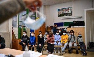 Dans une école parisienne au temps du Covid-19. (illustration)