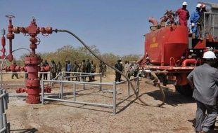 Le Soudan a libéré dimanche trois pétroliers sud-soudanais au lendemain d'une annonce dans ce sens pour tenter de débloquer les négociations dans l'impasse avec son voisin du Sud qui accuse Khartoum de vol, a annoncé le ministère des Affaires étrangères.