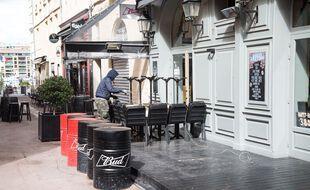 Les bars à Marseille resteront fermés pendant au moins un mois