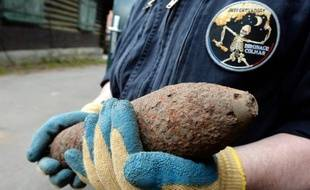 Illustration d'un obus de la Première guerre mondiale retrouvé sur le site du Vieil-Armand dans les Vosges alsaciennes le 9 avril 2014.