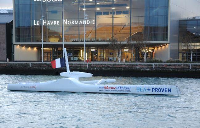 Le Sphyrna épouse les lignes d'une pirogue polynésienne. L'embarcation, capable de traverser les océans en autonomie, conçu par Sea Proven, sera dédié à la science.