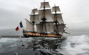 L'Hermione arrive dans la rade de Brest, le 10 août 2015.