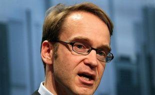 """Le président de la banque centrale allemande Bundesbank a appelé le gouvernement du pays à """"ne pas relâcher ses efforts"""" de consolidation budgétaire, pour continuer à donner """"le bon exemple"""" à ses partenaires européens."""