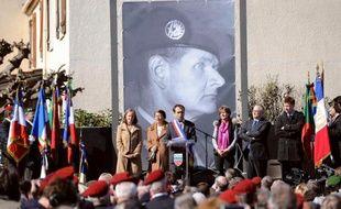 Le maire de Béziers Robert Ménard a officiellement donné à une rue le nom d'Hélie Denoix de Saint-Marc, un militaire partisan de l'Algérie française à Béziers le 14 mars 2015