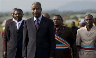 """Des combats ont opposé mardi les rebelles congolais de Laurent Nkunda à des miliciens pro-gouvernementaux. Ces accrochages de quelques heures, les premiers depuis l'instauration par les rebelles mercredi d'un cessez-le-feu unilatéral, sont survenus alors que le tout nouveau Premier ministre congolais, Adolphe Muzito, est arrivé à Goma pour une tournée de trois jours dans l'est dans le but de """"réconforter"""" la population."""