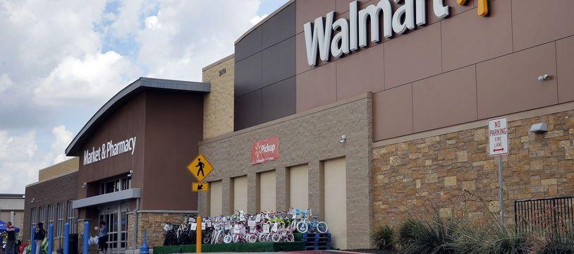 Walmart s'est engagé à ne plus vendre de vêtements portant des symboles soviétiques. (Illustration)