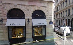 diversifié dans l'emballage la meilleure attitude le prix reste stable Braquage chez Cartier: la quasi-totalité des bijoux retrouvée