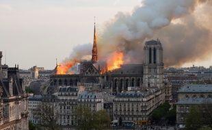 Le feu a été constaté au niveau de la charpente de Notre-Dame à 18h43