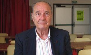 """L'ancien président Jacques Chirac, âgé de 81 ans, a été brièvement hospitalisé lundi soir à l'hôpital américain de Neuilly-sur-Seine à la suite d'une """"violente crise de goutte""""."""