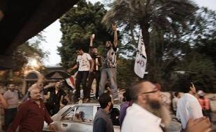"""L'armée égyptienne s'est engagée jeudi à ce que l'élection présidentielle prévue fin mai soit à """"100% honnête"""", au lendemain d'affrontements meurtriers au Caire lors d'une manifestation hostile au pouvoir militaire."""