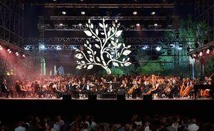les musiciens de l'orchestre philharmonique de Nice qui interprète des chefs d'oeuvre de la musique classique et du tango.