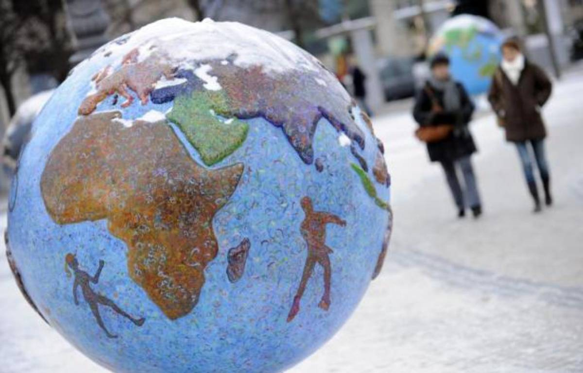 Un globe-terrestre exposé lors de la conférence sur le climat de Copenhague, le 19 décembre 2009 – Adrian Dennis AFP