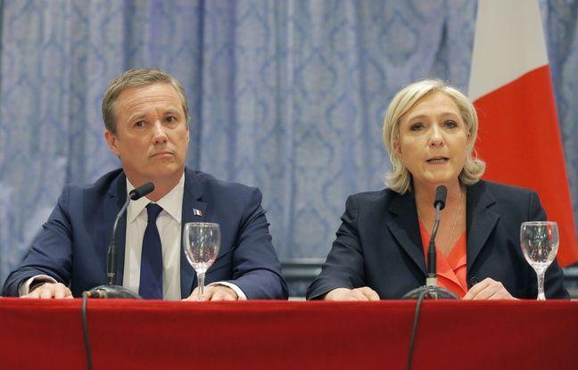 Nicolas Dupont-Aignan et Marine Le Pen lors d'une conférence de presse en commun pour annoncer leur alliance à Paris, le 29 avril.