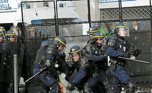 Des manifestants ont été blessés, en marge du cortège, le 22 février.