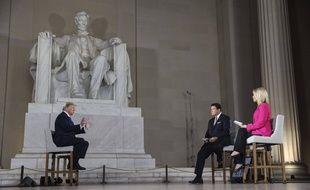 Donald Trump lors d'une émission spéciale sur Fox News au sein du Lincoln Memorial, sur le National Mall de Washington, le 3 mai 2020.