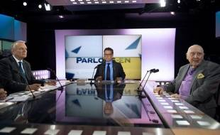 Jean-Marc Ayrault et l'ancien résistant Daniel Cordier, qui fut le secrétaire de Jean Moulin, exaltent, malgré la crise, l'héritage social du Conseil national de la Résistance (CNR), dans une émission diffusée dimanche sur LCP.