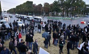 Des agriculteurs ont manifesté vendredi 22 septembre sur les Champs Elysees pour le maintien du Glyphosate.