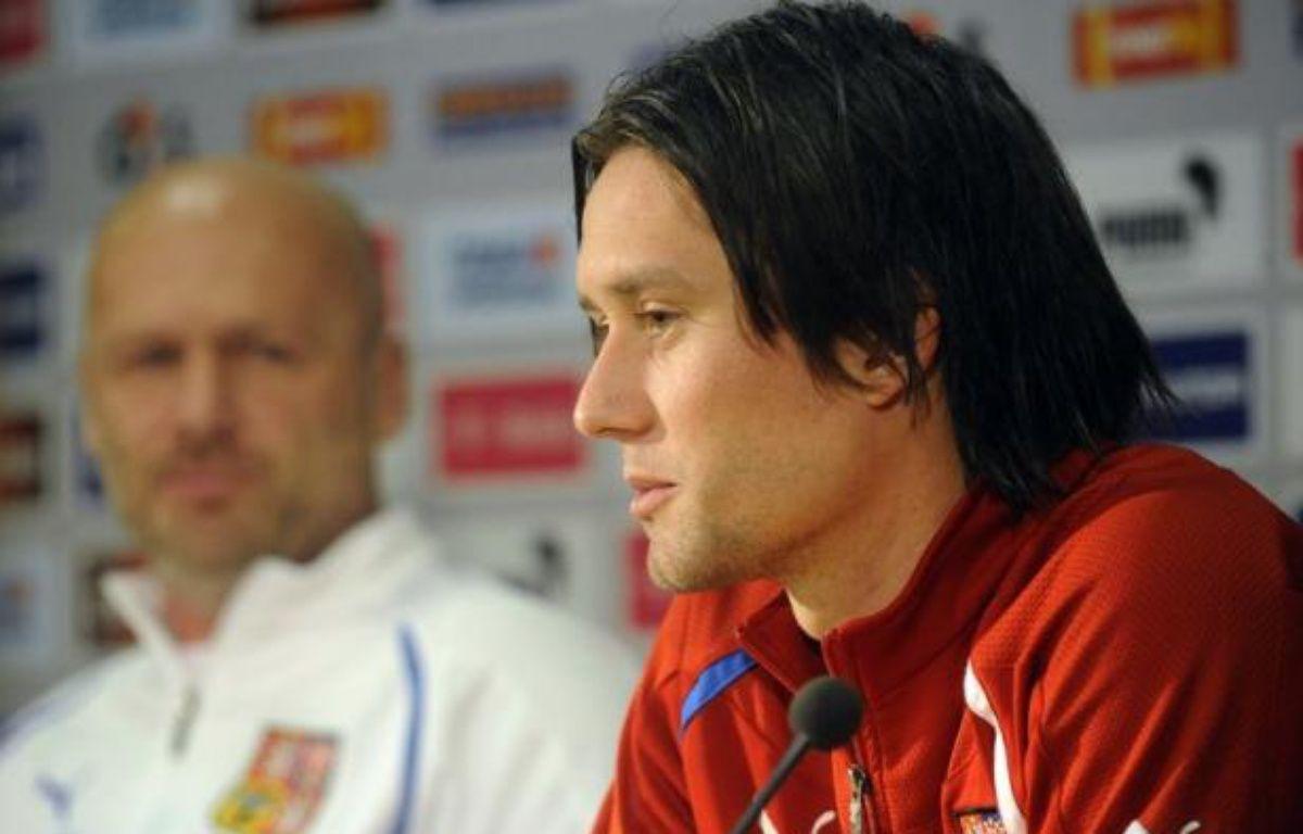 A six mois de l'Euro-2012 en Pologne et en Ukraine, le football tchèque est ébranlé par le comportement insultant et indécent des joueurs après leur match de barrage victorieux (aller 2-0, retour 1-0) le 15 novembre face au Monténégro. – Michal Cizek afp.com