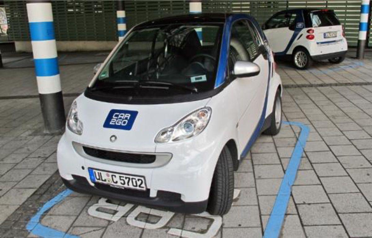 Les Smart de Car2Go peuvent être empruntées en passant une puce sur un lecteur. –  A. sulzer / 20 Minutes