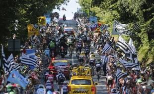 Les drapeaux bretons vont laisser la place aux drapeaux basques ce mardi.