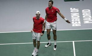 Denis Shapovalov et Vasek Pospisil ont remporté le double décisif pour qualifier le Canada pour la finale de la Coupe Davis aux dépens de la Russie, le 23 novembre 2019 à Madrid.