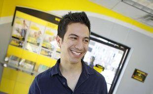 Un client dans une agence Western Union