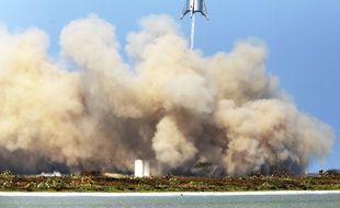 La capsule Starhopper a réussi son décollage sur le site de Boca Chica au Texas, le 27 août 2019.
