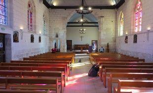 L'intérieur de l'église de Saint-Etienne-du-Rouvray le dimanche 2 octobre 2017.