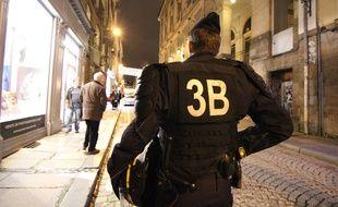 Des CRS en marge d'une manifestation contre les violences policières à Rennes en décembre.