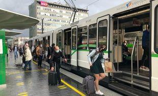 La ligne 1 de tramway, station «Gare nord», en septembre 2020.