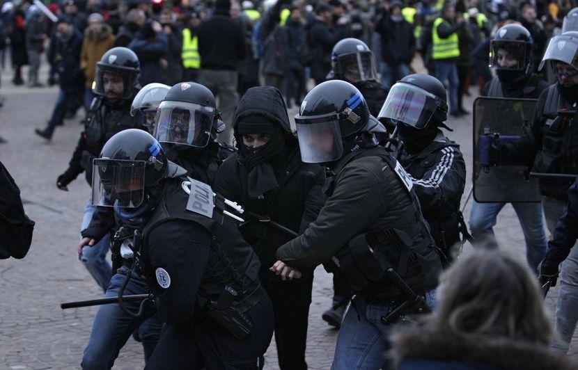 Grève du 12 décembre à Lille : Une journée de manifestation mouvementée contre la réforme des retraites