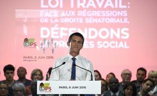 Pour l'occasion, Manuel Valls avait fait tomber la veste.